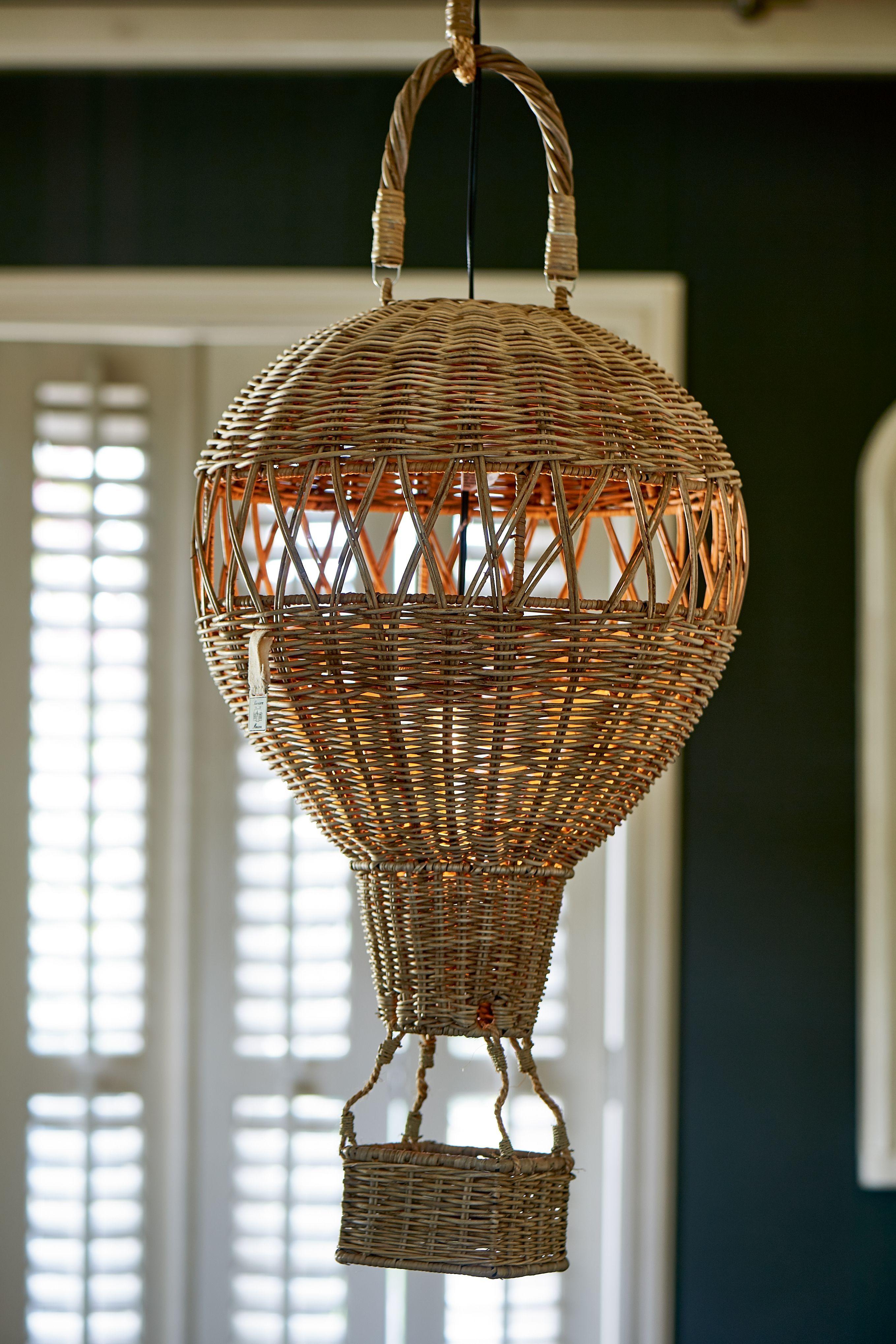 Ratanová závěsná lampa Montgolfier