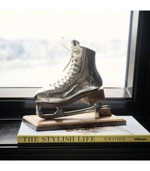 Dekorace Lovely Ice Skate Statue